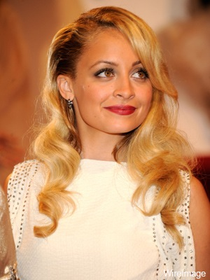 Nicole Richie channels 1940's Hollywood Glamour